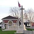 Béthune - Béthune Town Cemetery - 3 (cropped).jpg