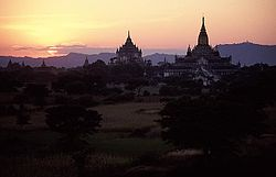Bagan 005 (Sunset).jpg