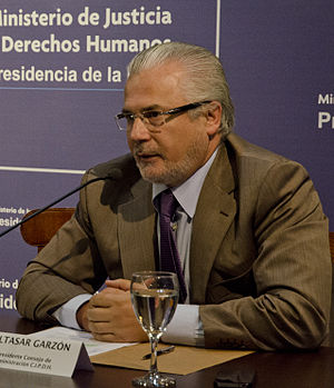"""Baltasar Garzón - Image: Baltasar Garzón en la inauguración del seminario """"Argentina África aportes para la construcción de una agenda de trabajo compartida en Derechos Humanos"""""""