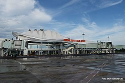 Bandara-tjilik-r-kalimantan-april.jpg