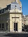 Banque croisement avenue Mozart rue Jean-de-la-Fontaine.jpg
