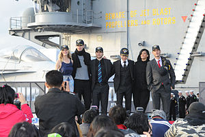 Immagine Battleship cast, USS George Washington.jpg.