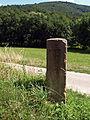 Bensheim Gronau Wegweiserstein.jpg