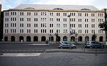 Berlin- Stresemannstraße- Fassade der Hausnummer 128 (Bundesministerium für Umwelt, Naturschutz, Bau und Reaktorsicherheit) 7.8.2014.jpg