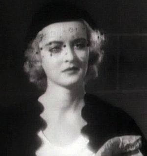 Cropped screenshot of Bette Davis from the fil...