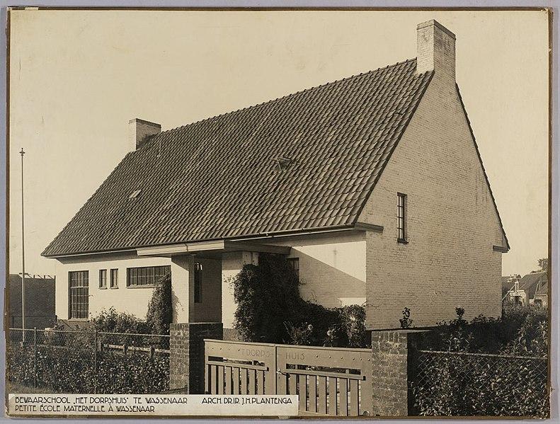 File:Bewaarschool - Pre-school 'Het Dorpshuis' (7642699816).jpg