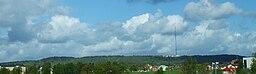 Billingen set fra øst med Skövde i forgrunden
