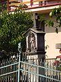 Boží muka se sochou svatého Jana Nepomuckého, v zahradě čp. 46 (5).jpg