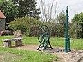 Boisseaux (Loiret) pompe à Armonville-le-Guénard.JPG