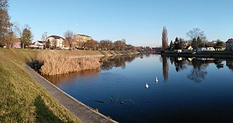 Bosut (river) - Image: Bosut u Vinkovcima Босут, ријека, Винковци