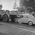 Botsing tussen auto en oplegger op de Waddendijk, Bestanddeelnr 912-8240.jpg