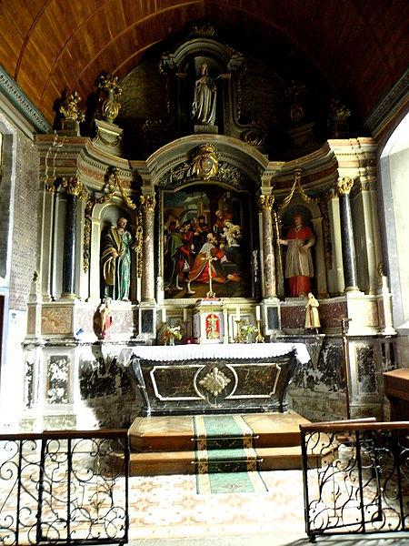 Église Saint-Pierre de Bouchamps-lès-Craon (53). Maître-autel et son retable.