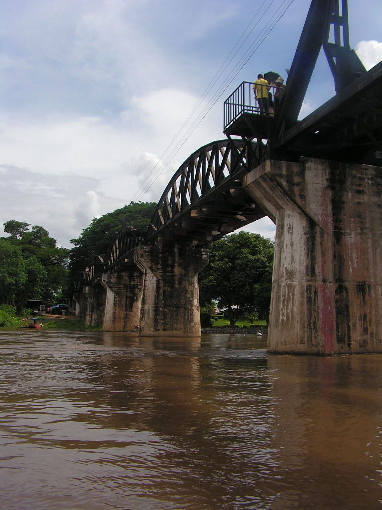 File:Bridge over the River Kwai, Kanchanaburi.jpg - Wikimedia Commons