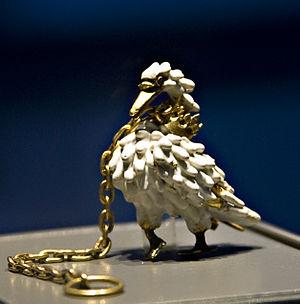 Bohun swan - Image: Britishmuseumdunstab leswanjewelfrontcrop pedclose