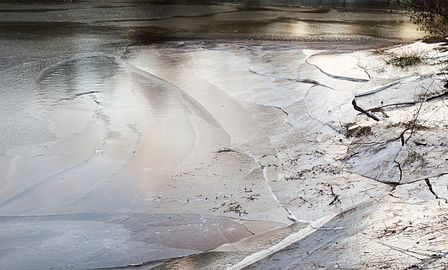 Broken ice on Holma Millpond 8.jpg