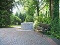Brunnenbank - panoramio.jpg