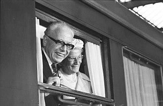 Gustav Heinemann - Farewell at Cologne station, 1974
