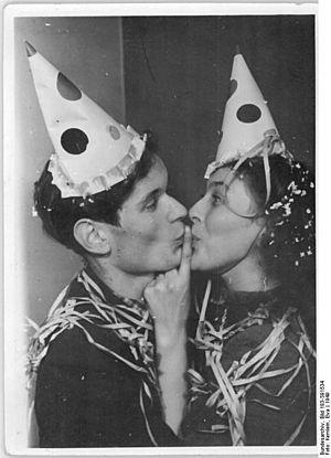 Bundesarchiv Bild 183-S91534, Neujahrsfest