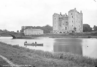 Bunratty - Image: Bunratty Castle, Clare (5263518190)