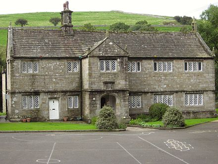The Old Grammar School, founded by William Craven Burnsall School.jpg