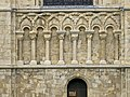 Canterbury cathedral Columns south wall 2.jpg