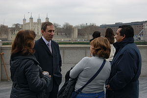 London mayoral election, 2012 - Cortiglia with members of the public