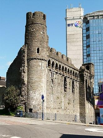Swansea Castle - The castle in its modern setting