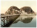 Castle from pier, Dumbarton, Scotland-LCCN2001705975.tif