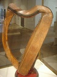 Celtic harp dsc05425.jpg