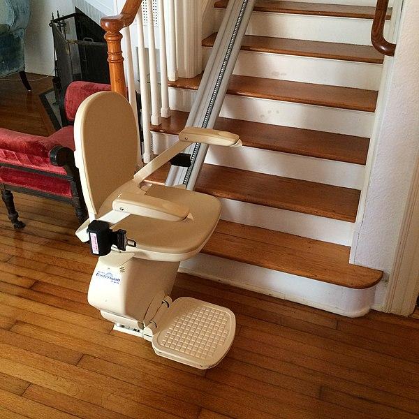 File:Centerspan Medical Stairlift.jpg