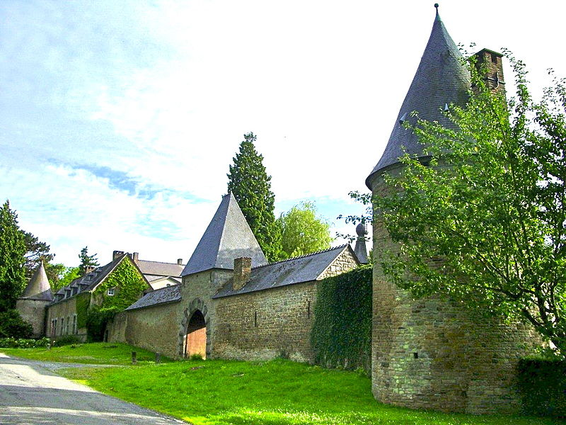 The castle of Évrehailles.