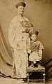 Chang Yu-sing the Chinese giant, and Chung Mow, a dwarf. Pho Wellcome V0007381.jpg