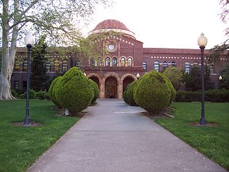 California State University - Image: Chico State's Kendall Hall