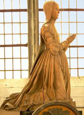 Francis, Duke of Brunswick-Lüneburg - Statue of wife Clara in the castle chapel at Gifhorn