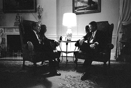 Nixon visiting President Bill Clinton in the White House family quarters, March 1993 Clinton Nixon.jpg