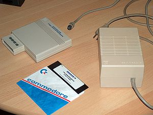 Commodore REU - 1764 REU with Utility Disk and 2.5 ampere power supply