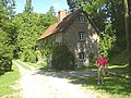 Cottage in West Lavington Warren - geograph.org.uk - 84735.jpg
