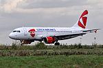 Czech Airlines (CSA), Airbus A319-112, OK-MEK - CDG (25231270826).jpg