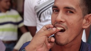 File:DENTIST • Teeth Straight from the Street • Aceh • INDONESIA.webm