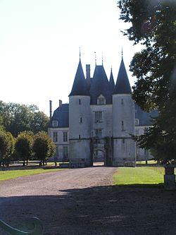 Dampierre Château 3.JPG