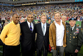 John Elway - Elway (second from right) at Super Bowl XLIII with Lynn Swann, Roger Craig, Roger Goodell, and General David Petraeus.
