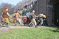 De poort wordt open geramd door de geuzen 1 april feest Brielle.jpg