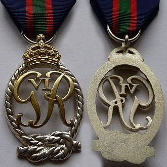 Decoration for Officers of the Royal Naval Volunteer Reserve - King George VI version