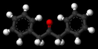 Dibenzyl ketone - Image: Dibenzyl ketone 3D balls