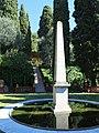 Domaine des Colombières - Obélisque et escalier.jpg