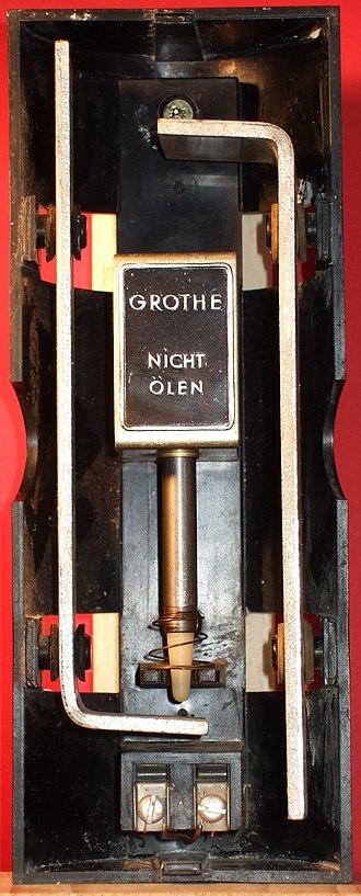 Doorbell - Two-tone doorbell chime