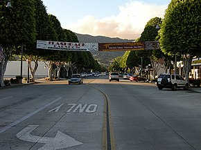 Downtown-glendora-with-morris-fire-smoke.jpg