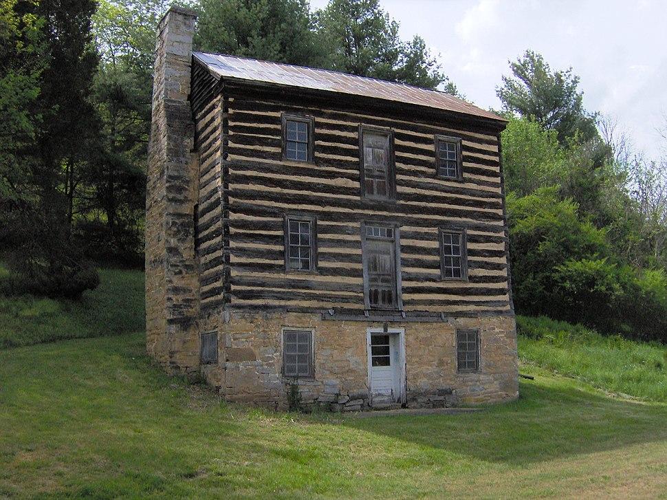 Earnest-fort-house-tn1