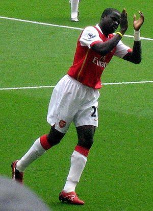 Emmanuel Eboué - Emmanuel playing for Arsenal in August 2007