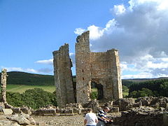EdlinghamCastle(RobinPhillips)Aug2004).jpg